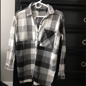 Top shop black/white 3/4 sleeve pocketed plaid